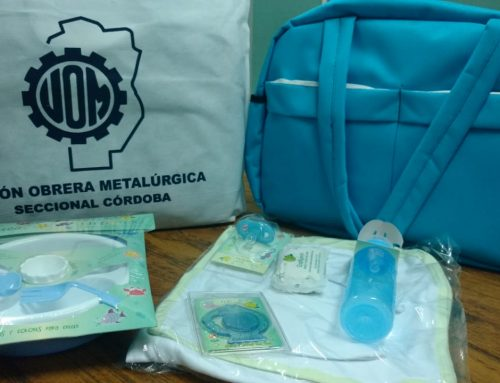 Entrega de ajuar para los bebés recién nacidos
